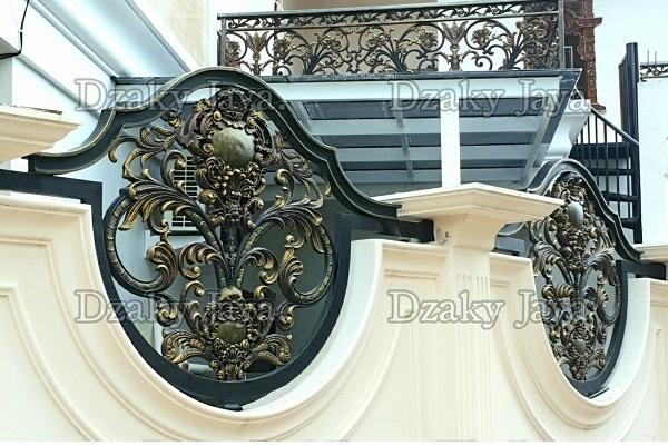 gambar pagar rumah klasik Cibubur