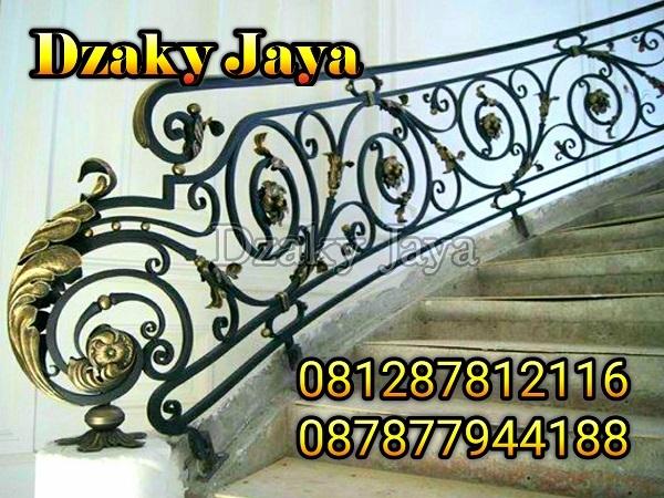 railing tangga tempa klasik modern untuk rumah mewah