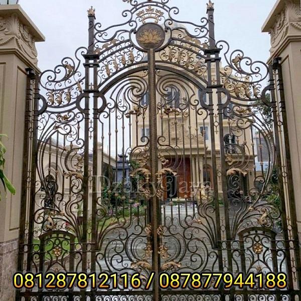 pintu pagar besi tempa modern klasik