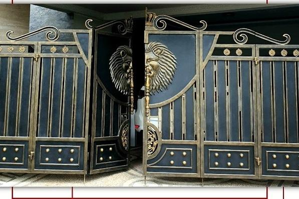 model pintu pagar lipat klasik rumah klasik Cibubur